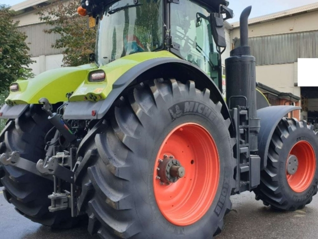 Trattore Claas Mod.Axion